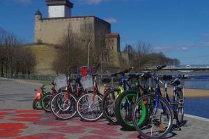 Bicycle rental in Narva recreation area of Joaorg