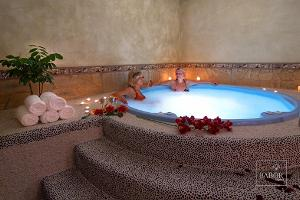 Sauna and jacuzzi complex