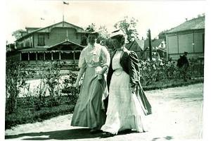 Ladies walking on the Promenade, early 20th century