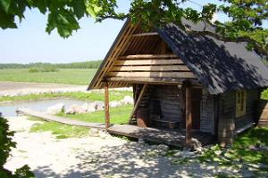 Paali-Tõnis Holiday House – sauna and pond