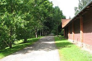 The carriage house path